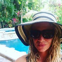 Emyrald Sinclaire love coach in costa rica